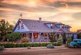 The Big Blue House - Tucson Boutique Inn