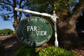 Farview Bed and Breakfast: Front Sign