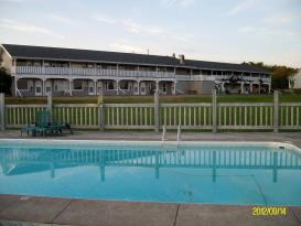 Singing Sands Inn: Singing Sands Inn and 20x40 pool