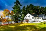 Maine Shorefront Lake Region Country Inn