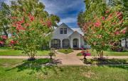 Pomegranate House & Cottages - Granbury, TX Inn for Sale