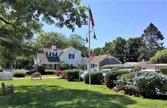 Lovingly Restored & Updated Chatham, Cape Cod Inn