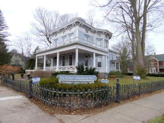Historic Delano Inn Bed and Breakfast
