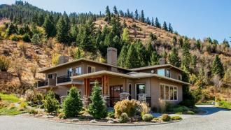 Cascade Valley Inn Bed & Breakfast