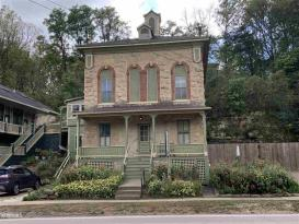 Abe's Spring Street Inn / Bed and Breakfast: Abe's Spring Street Guest House